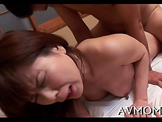 Asian cougar can&#039_t live out of engulfing balls