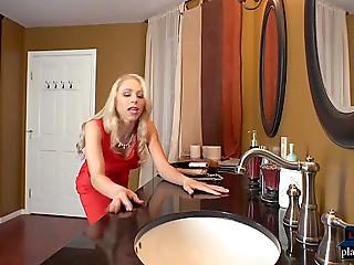 Older wife Katie Morgan cheats in restaurant washroom