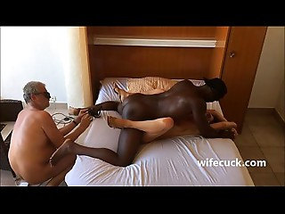 Masked hotwife copulates hubby films - wifecuck.com