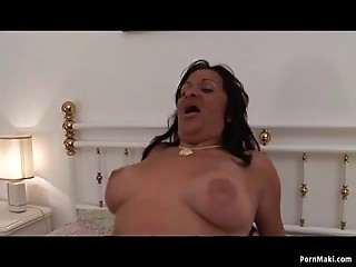 Obese old bitch receives pounded in nylons
