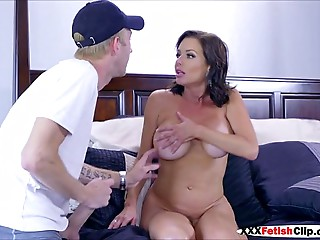 Mamma Veronica Avluv sucks and bonks rod of superlatively good ally