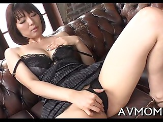Lustful oriental mama i&#039_d like to shag enjoys jock