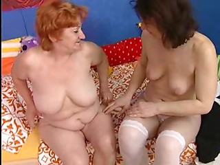 Lesbische Omas part 3 (with dentures)