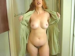 Mama Exposes Her Body So U Can Masturbate