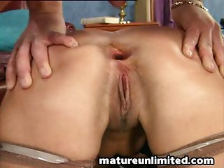 Older bitch acquires booty pounded