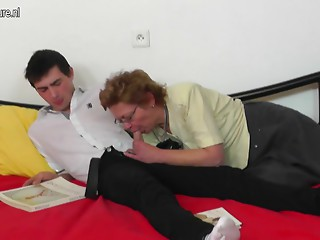 Elder aged bitch mamma fucking her guy toy