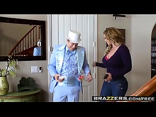 Brazzers - Prom Love tunnel Eva Notty,&nbsp_Gia Paige