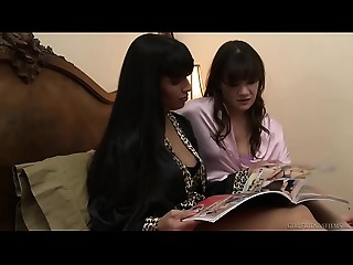 Sexy mother I'd like to fuck licking her friend&#039_s daughter&#039_s love tunnel - Mercedes Carrera, Alison Rey