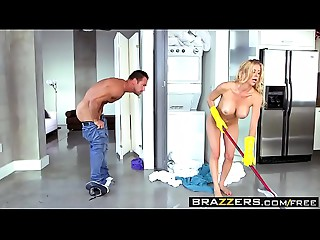 Brazzers - The Bare Mommy Alexis Fawx&nbsp_and&nbsp_Johnny Castle
