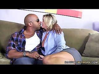 Bigtitted Mamma Phyllisha Anne shares Ebony Knob With Haley Pleasing