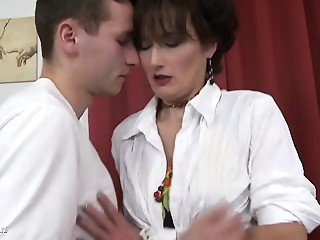 Dark brown mommy drilled hard by a juvenile stud