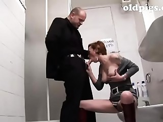 Aged whore picked up in a bar and team-fucked in the toilet!