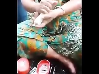 Myanmar Wife Bathing(mmspybath.blogspot.com).MP4