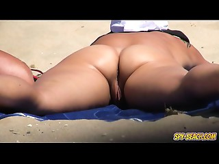 Voyeur NUDIST Beach Dilettante Mother I'd like to fuck - Cunt Close-ups Movie scene