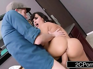 Club Mother I'd like to fuck Lisa Ann Steals The Knob in the Women&#039_s Room