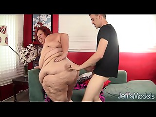 Super bulky woman drilled