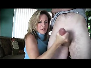 Sexy Mama Gives Oral stimulation to Youthful Chap - 999cams.xyz