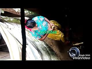 desi aged aunty baths spy livecam