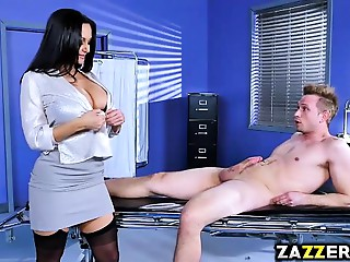 Dr Ava Adams soothes Bill Baileys schlong with a fellatio