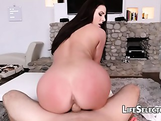 Big breasted MILF Angela White enjoys foot fetish with her cotenant