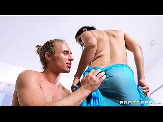 Brazzers - Isis Love - Milfs Like It Large