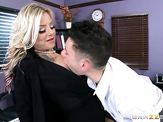 Brazzers - Britney Shannon - Large Bumpers At School