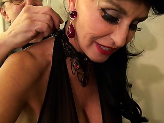 Old bitch goes Black-Dirty White bitch GILF takes 3-way Huge black meat screw of her life