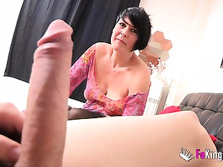 Spanish squirting elder licks Jordi&#039_s large rod